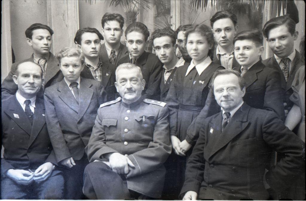 Gordom-1946-neg-001